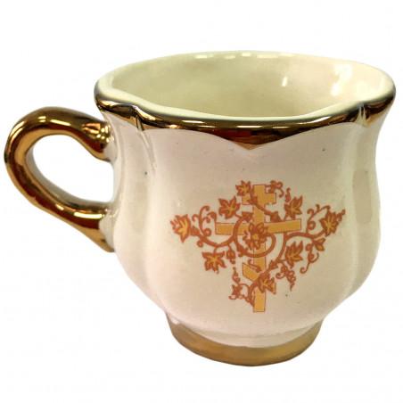 Керамическая чашка белая с...